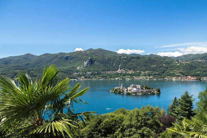 L'Isola san Giulio vista dal Sacro Monte