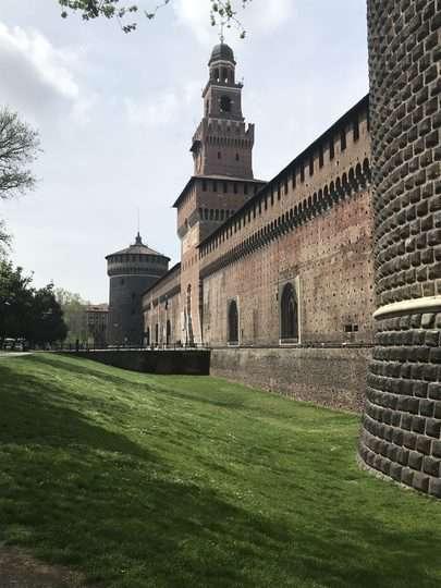 visitare il castello sforzesco perimetro