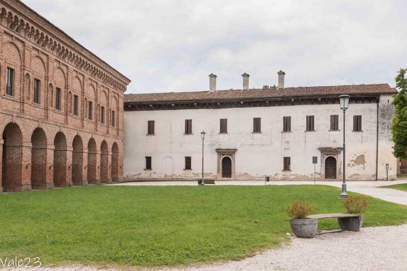 Cosa vedere a Sabbioneta, esterno di Palazzo Giardino